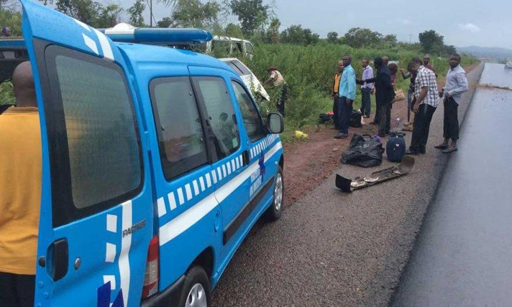 Auto crash kill 143 in Edo